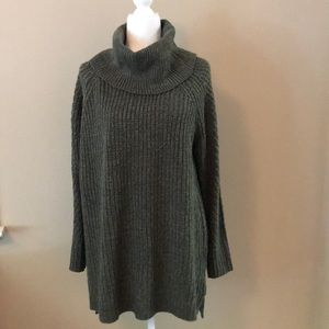EUC! Olive Heathered Color Sweater